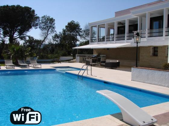 Villa joia del mar, Large and comfortable villa in Calonge, Catalonia, Spain  with private pool for 8 persons...