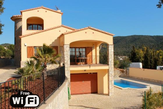 Villa catalana,Wonderful and romantic villa in Calonge, Catalonia, Spain  with private pool for 8 persons...
