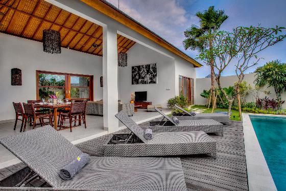 Echobeachvilla 1, Modern and luxury villa in Canggu, Bali, Indonesia  with private pool for 6 persons...