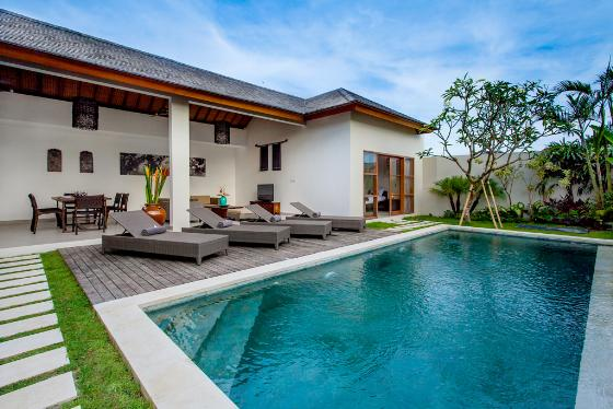 Echobeachvilla 2, Modern and luxury villa in Canggu, Bali, Indonesia  with private pool for 4 persons...
