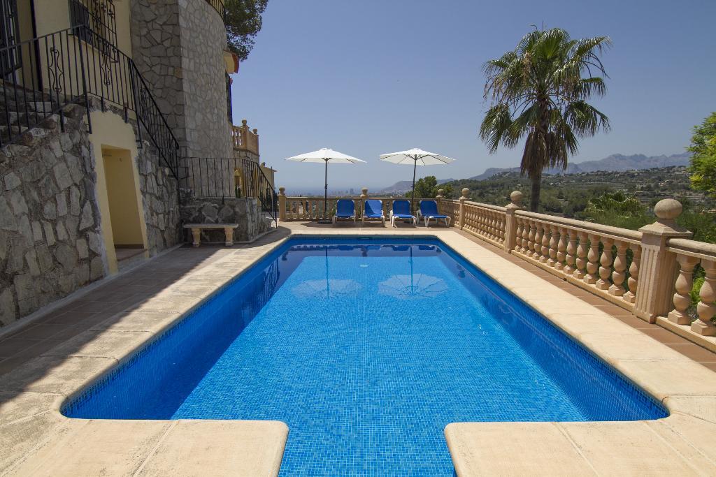 Villa aline,Grote en leuke villa in Benissa, aan de Costa Blanca, Spanje  met privé zwembad voor 8 personen...