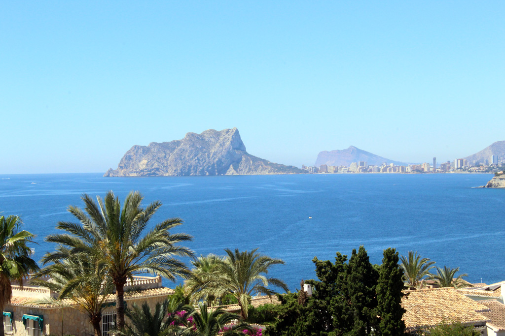 Apartamento Vista Mar, Modern and cheerful apartment in Moraira, on the Costa Blanca, Spain for 4 persons.....