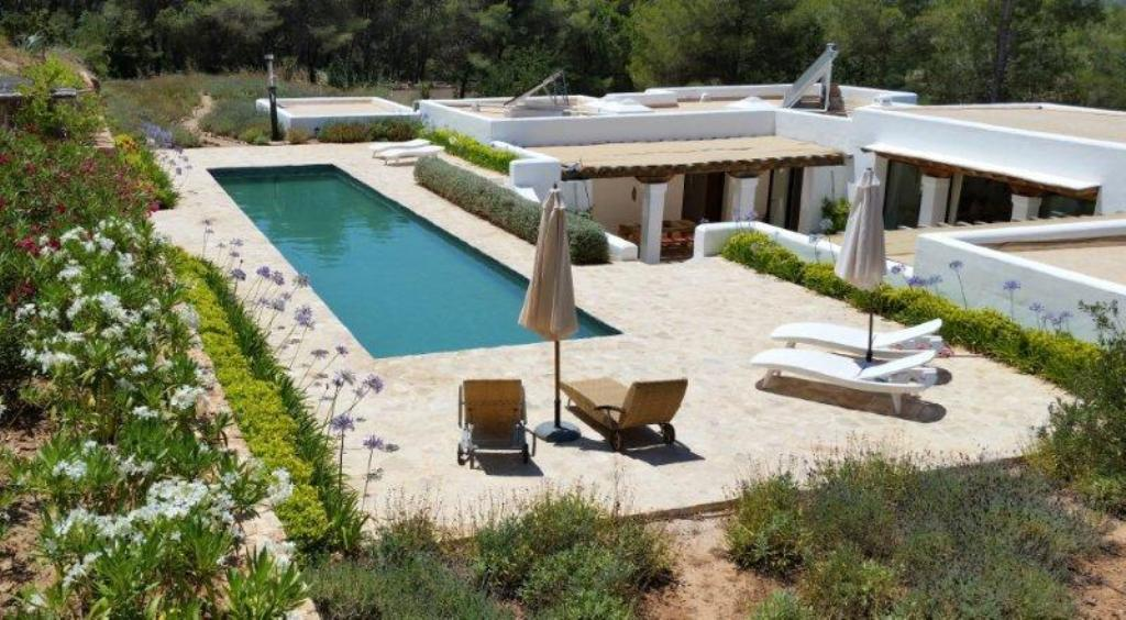 924, Large and comfortable villa  with private pool in Santa Eulalia, Ibiza, Spain for 6 persons...