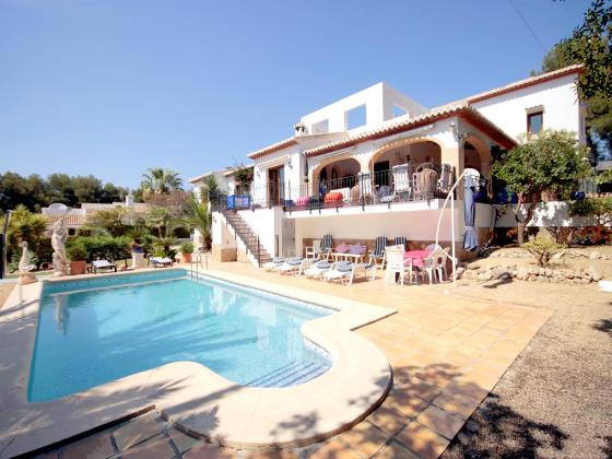 Betty boop, Modern and luxury villa with private pool in Javea, on the Costa Blanca, Spain for 12 persons. The villa is situated in.....
