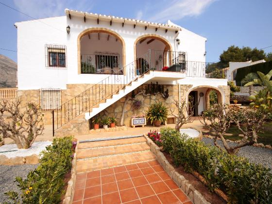 Carrio, Beautiful and cheerful villa in Javea, on the Costa Blanca, Spain  with private pool for 6 persons.....