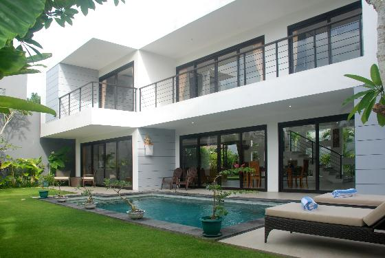 Skye dee, Beautiful and luxury villa in Legian, Bali, Indonesia  with private pool for 6 persons...
