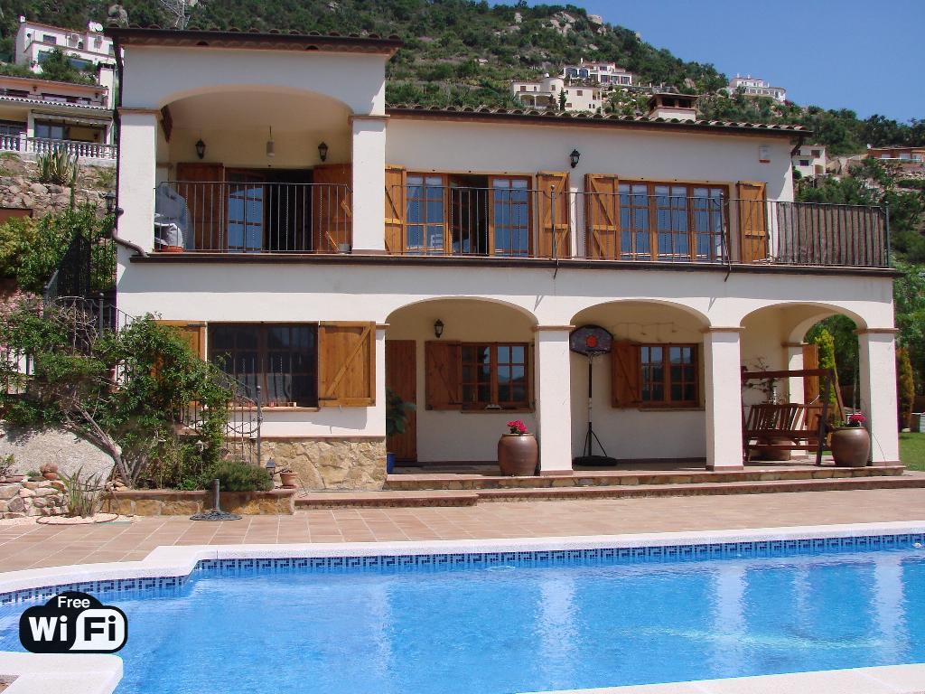 Villa cassiopeia,Villa  with private pool in Calonge, Catalonia, Spain for 8 persons...