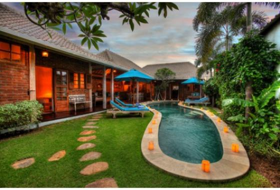 Amsa 2BR, Wonderful and cheerful luxury villa  with private pool in Seminyak, Bali, Indonesia for 4 persons...