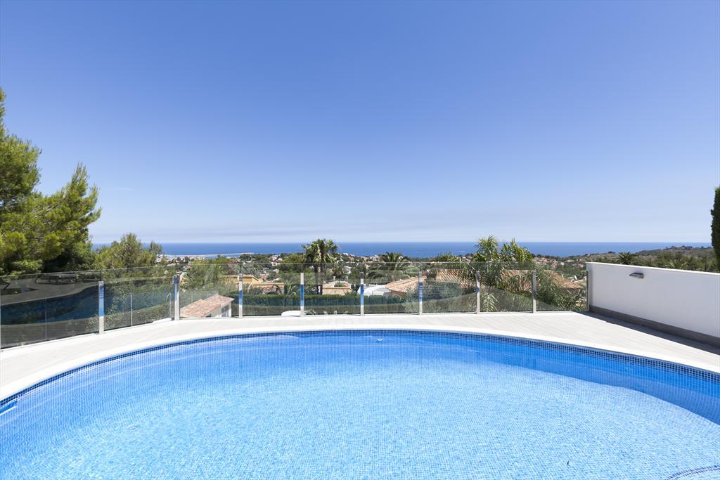 Villa Salome 6,Villa con piscina privada en Denia, Alicante para 6 personas. La villa está situada en una zona residencial y montañosa......