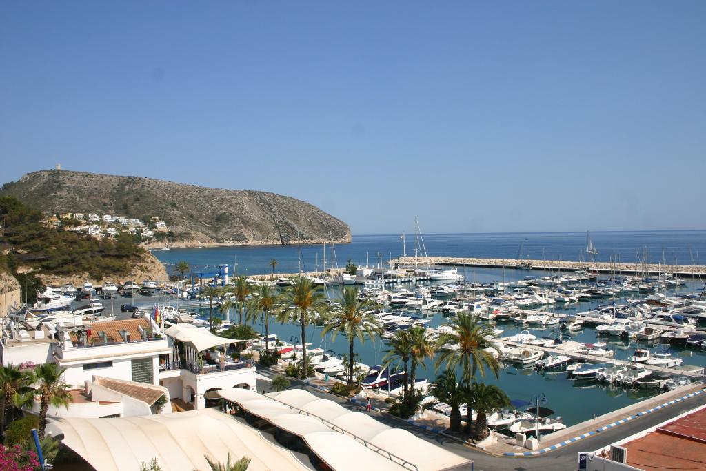 Apartamento moraira playa holiday home in moraira - Apartamentos en costa blanca ...