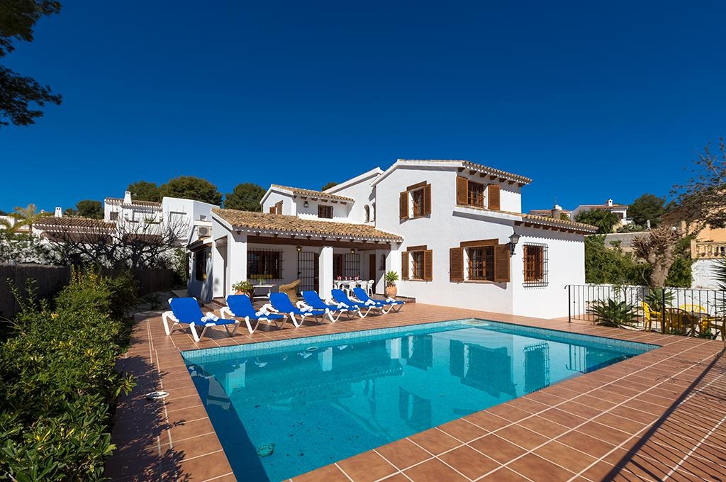 Andurina 10, Large and nice villa with private pool in Moraira, on the Costa Blanca, Spain for 10 persons. The villa is situated in a.....