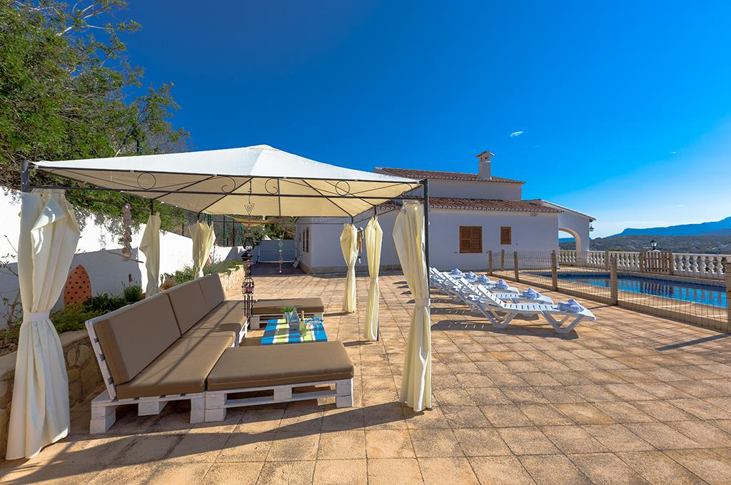 Matisse 9, Large and nice villa with private pool in Moraira for 9 persons, to spend some wonderful holidays in Spain with family,.....