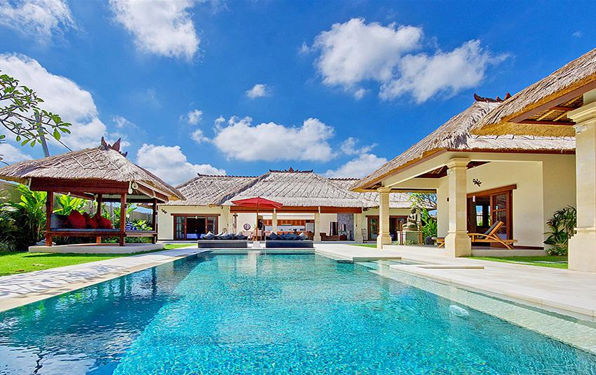 Alam, Large and luxury villa in Seminyak, Bali, Indonesia  with private pool for 8 persons...