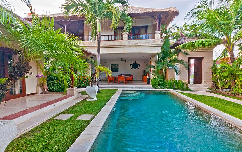Krisna, Large and luxury villa  with private pool in Seminyak, Bali, Indonesia for 4 persons...
