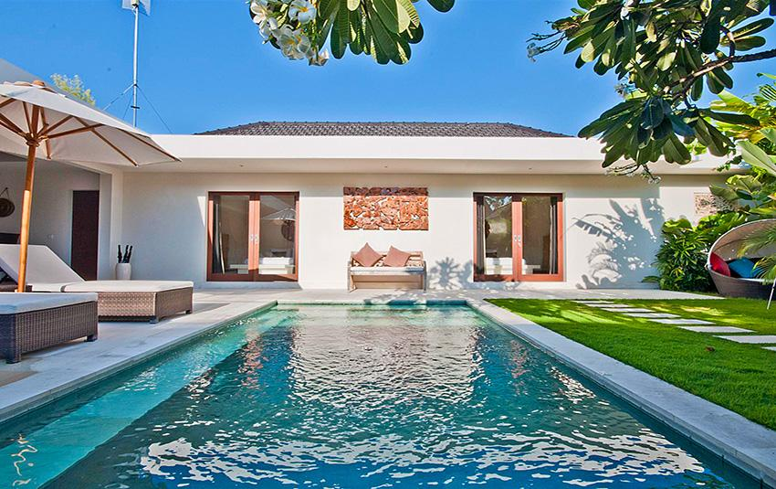 Umah Kupu Kupu, Beautiful and luxury villa in Seminyak, Bali, Indonesia  with private pool for 4 persons...