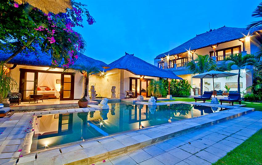 Arjuna bugis, Beautiful and luxury villa in Seminyak, Bali, Indonesia  with private pool for 6 persons...