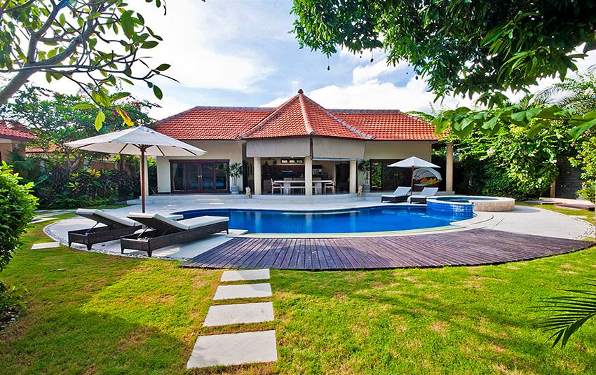 Mango,Wonderful and comfortable villa  with private pool in Seminyak, Bali, Indonesia for 6 persons...