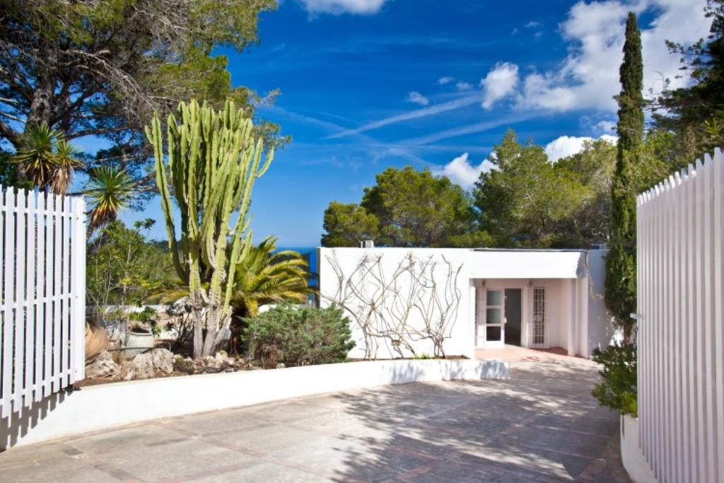 324, Villa in San Agustín, Ibiza, Spain  with private pool for 10 persons...