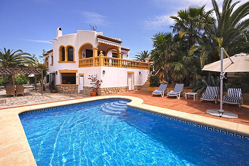 Sol, Beautiful and comfortable villa  with private pool in Javea, on the Costa Blanca, Spain for 4 persons...
