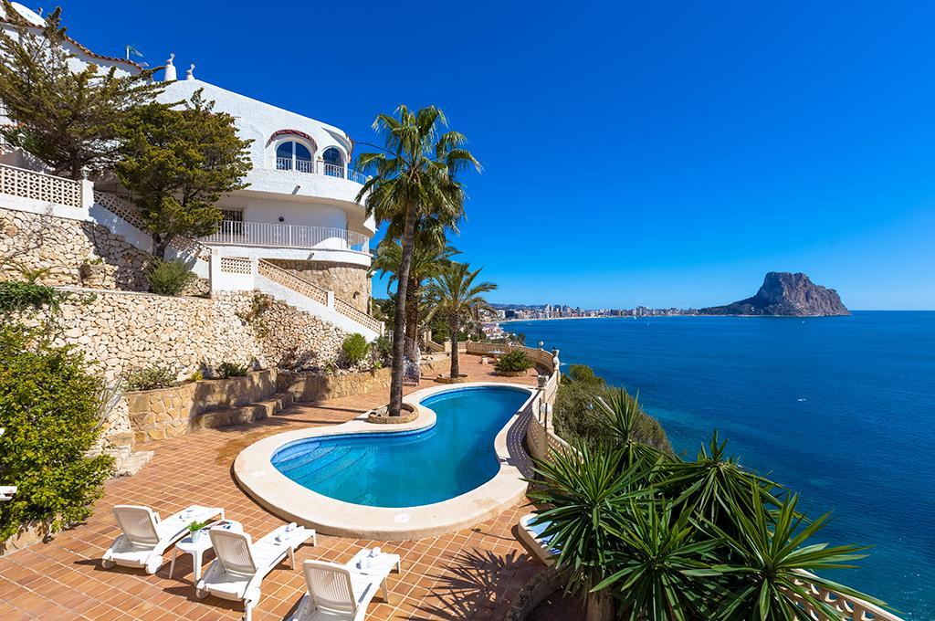 Primera Linea 20, Large villa  with private pool in Calpe, on the Costa Blanca, Spain for 20 persons...