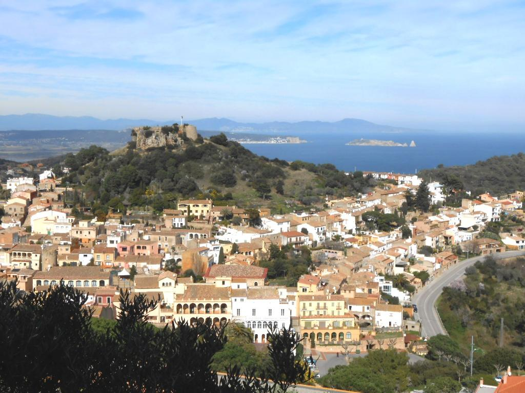 ROMY apartamento con fantasticas vistas al mar aire acondicionado en Begur Costa Brava, Beautiful and comfortable apartment in Begur, on the Costa Brava, Spain for 4 persons.....