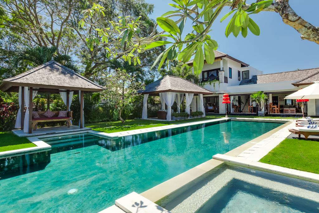 Sunset 1br, Large and luxury villa  with private pool in Nusa Dua, Bali, Indonesia for 2 persons...