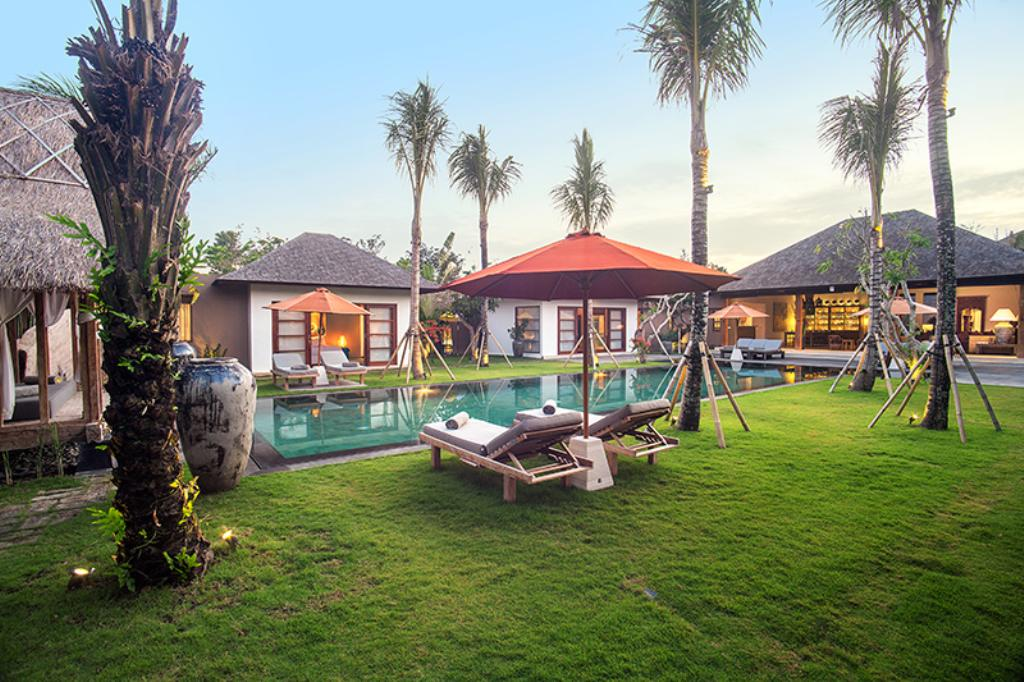 Tiga puluh 5br, Beautiful and luxury villa  with private pool in Seminyak, Bali, Indonesia for 10 persons...