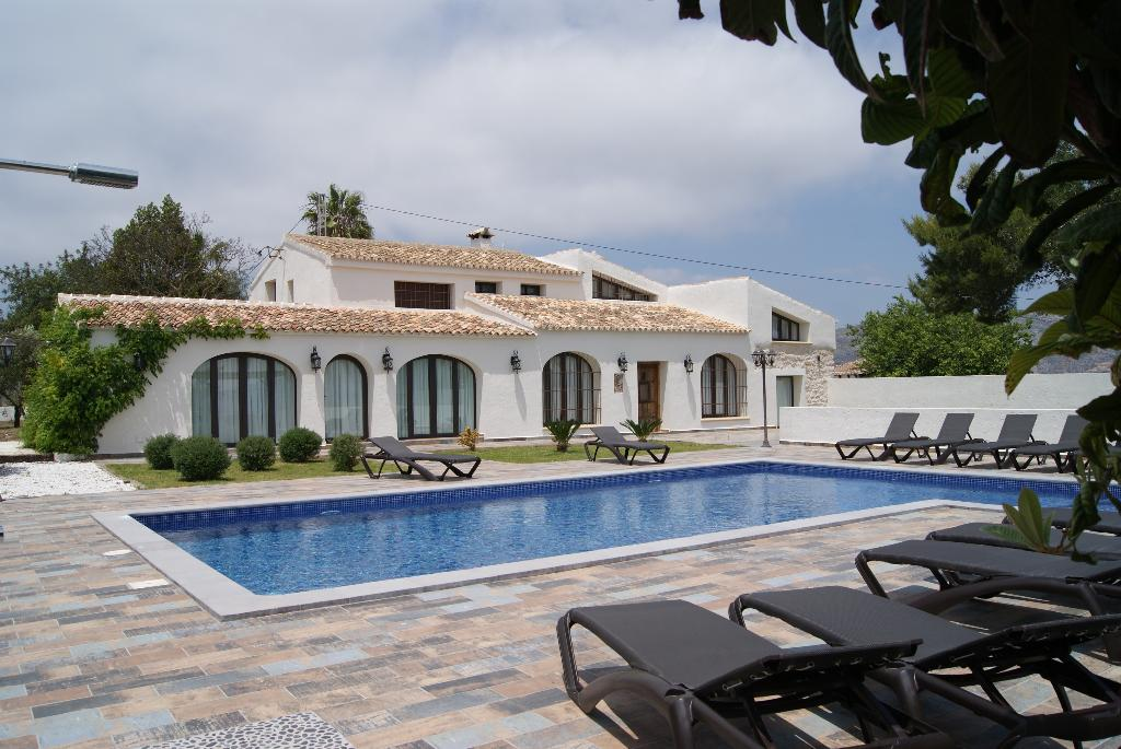 San miquel 3000, Rustic and nice villa in Teulada, on the Costa Blanca, Spain  with private pool for 22 persons...