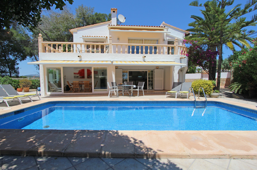 Casa Esmeralda 6, Villa with private pool in Moraira, on the Costa Blanca, Spain for 6 persons. The villa is situated in a residential area,.....