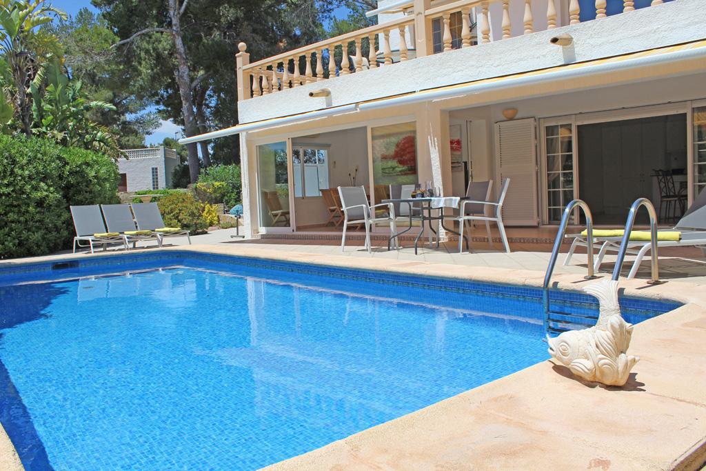 Esmeralda LT,Villa maravillosa y graciosa con piscina privada en Moraira, en la Costa Blanca, España para 2 personas. La villa.....