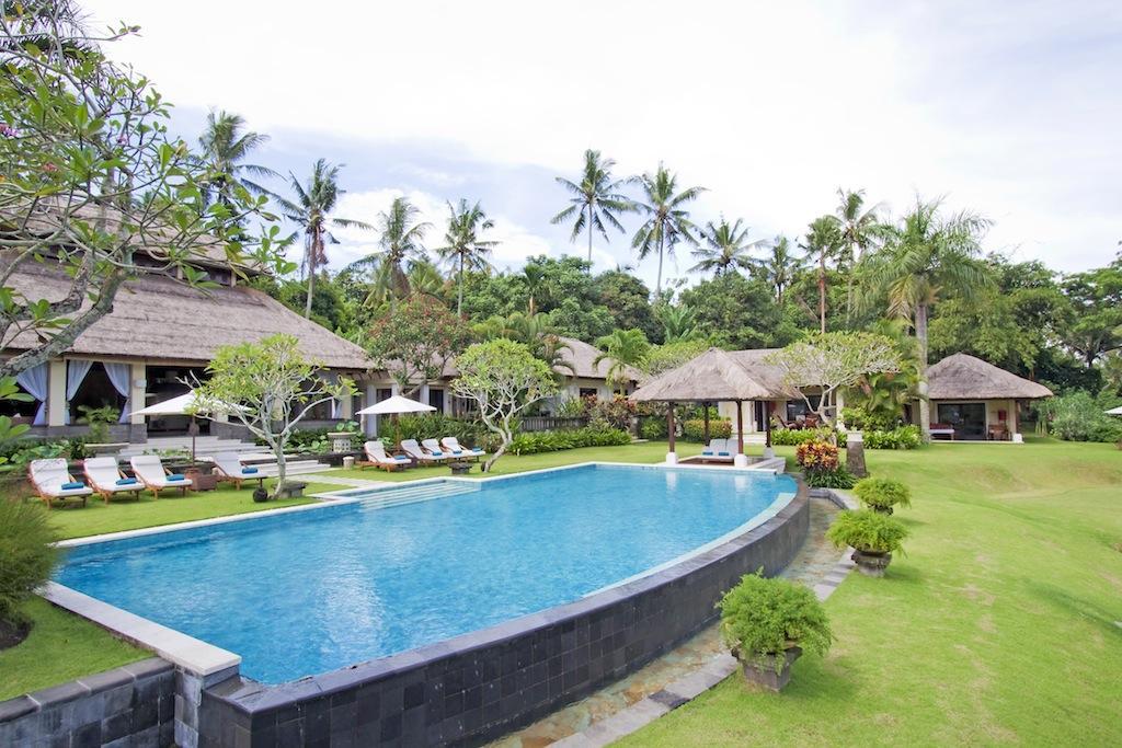 Lotus Residence,Grote en luxe villa  met privé zwembad in Canggu, op Bali, Indonesië voor 12 personen...