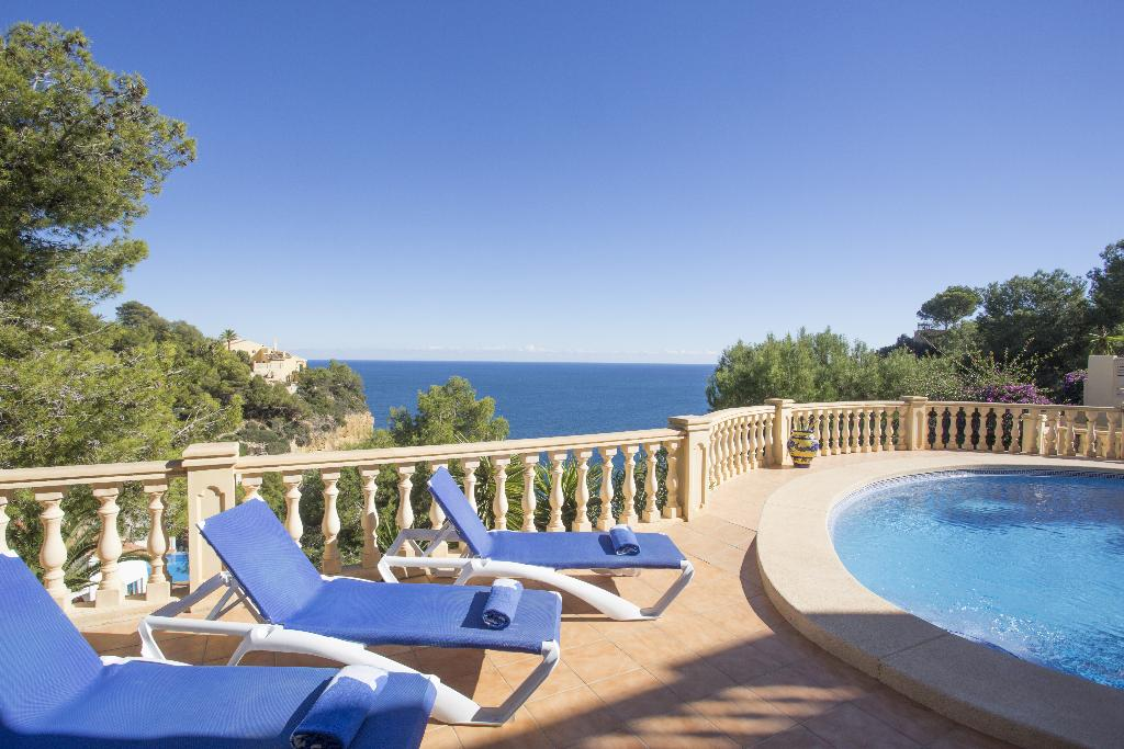 Casa Hayden, Classic and comfortable villa  with private pool in Javea, on the Costa Blanca, Spain for 8 persons.....