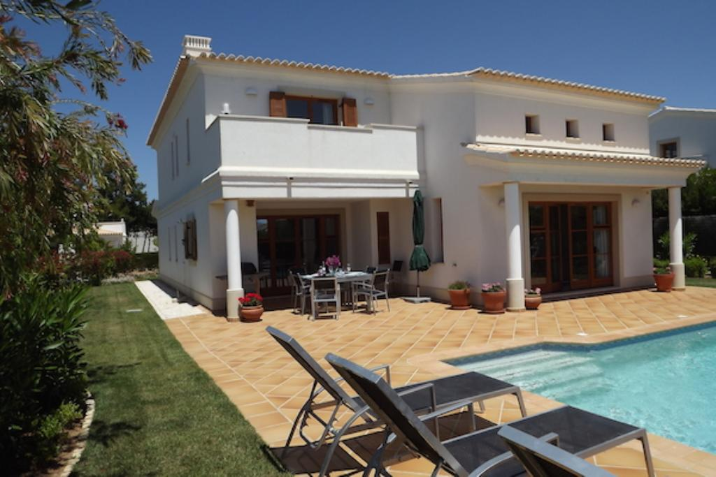 Burgau 8, Large and luxury villa  with private pool in Burqau, on the Algarve, Portugal for 8 persons...