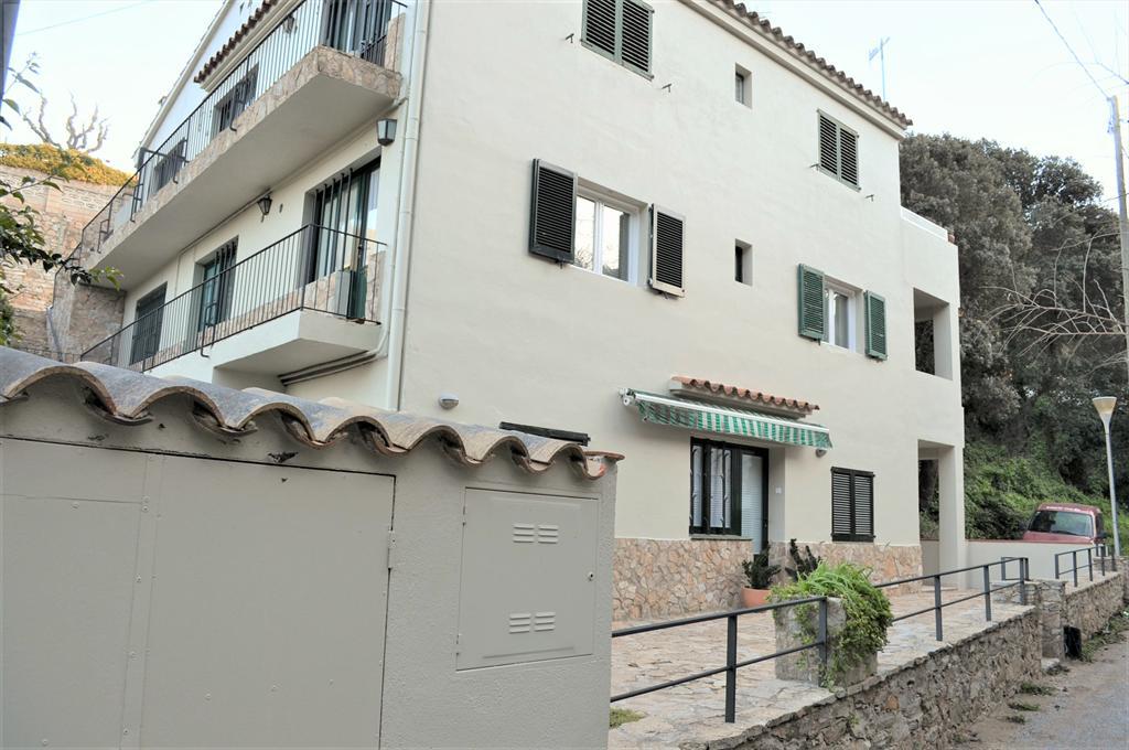 APT LA RIERA BAIXOS 100 m de la playa,Apartment in Begur, on the Costa Brava, Spain for 6 persons.....