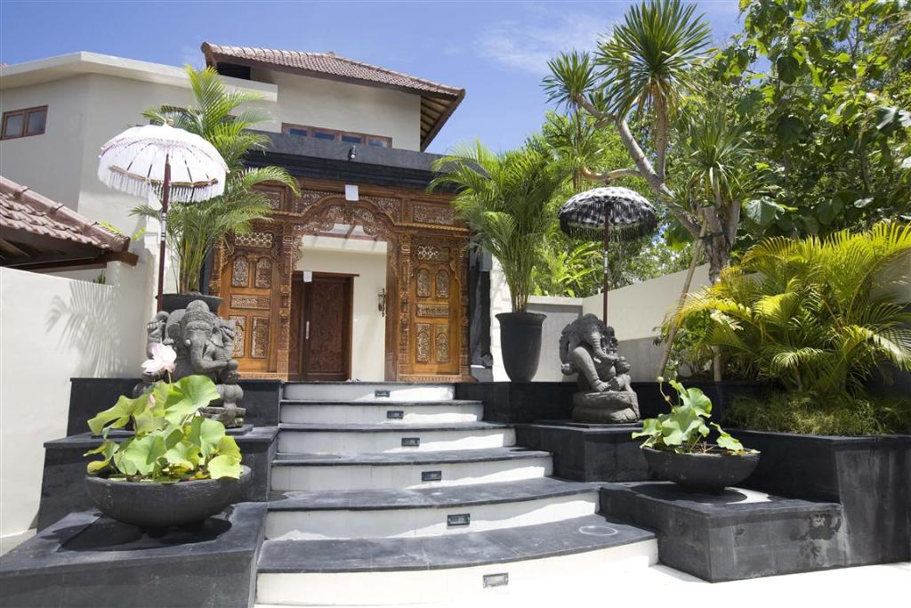 Villas king and queen, Large and luxury villa in Jimbaran, Bali, Indonesia  with private pool for 24 persons...