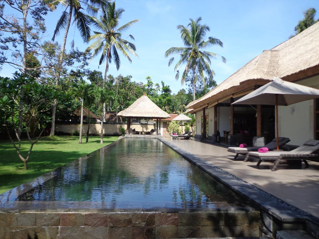Umah bamboo, Large and luxury villa  with private pool in Ubud, Bali, Indonesia for 4 persons...