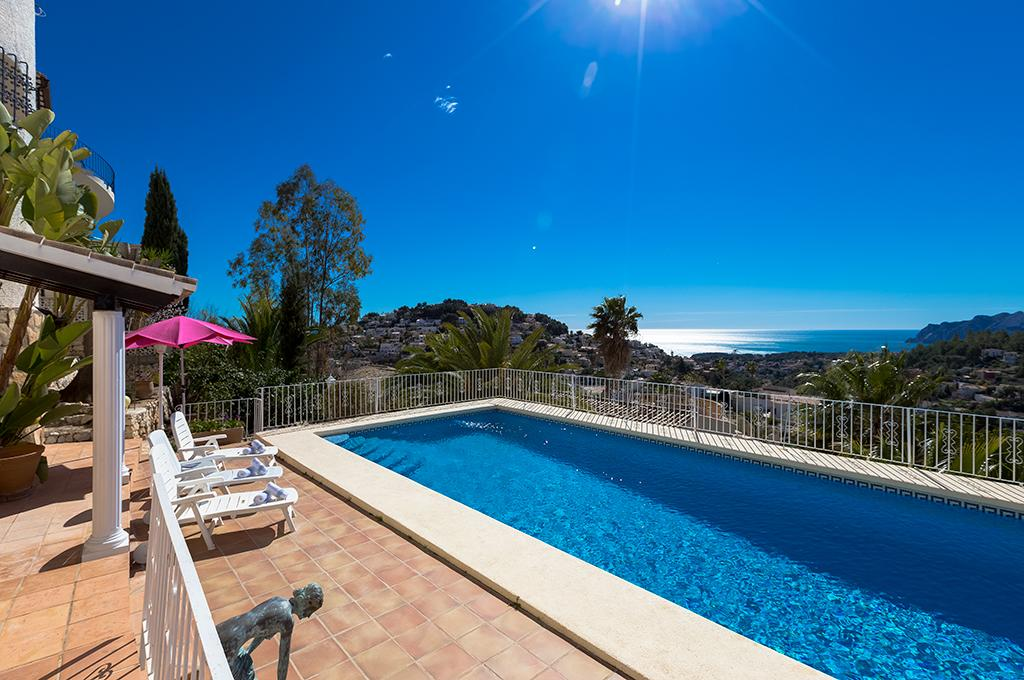 Patricia 12, Beautiful and comfortable villa in Benissa, on the Costa Blanca, Spain  with private pool for 12 persons.....