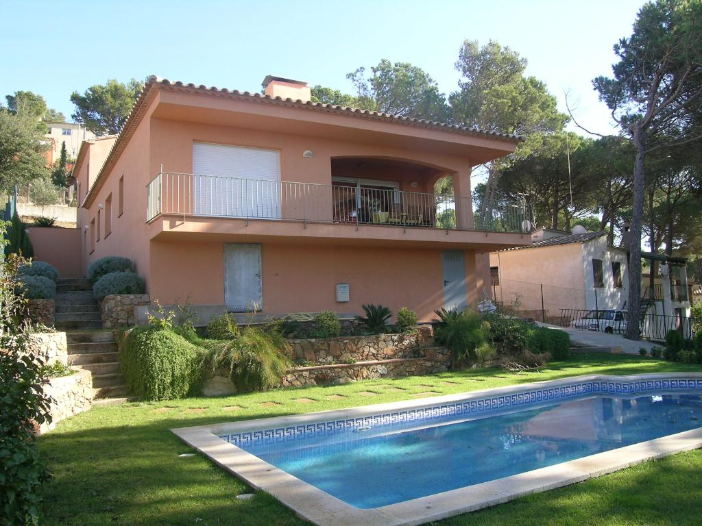 AMELA  casa con piscina privada wifi y garaje en Begur Costa Brava, Large and comfortable villa in Begur, on the Costa Brava, Spain  with private pool for 8 persons.....