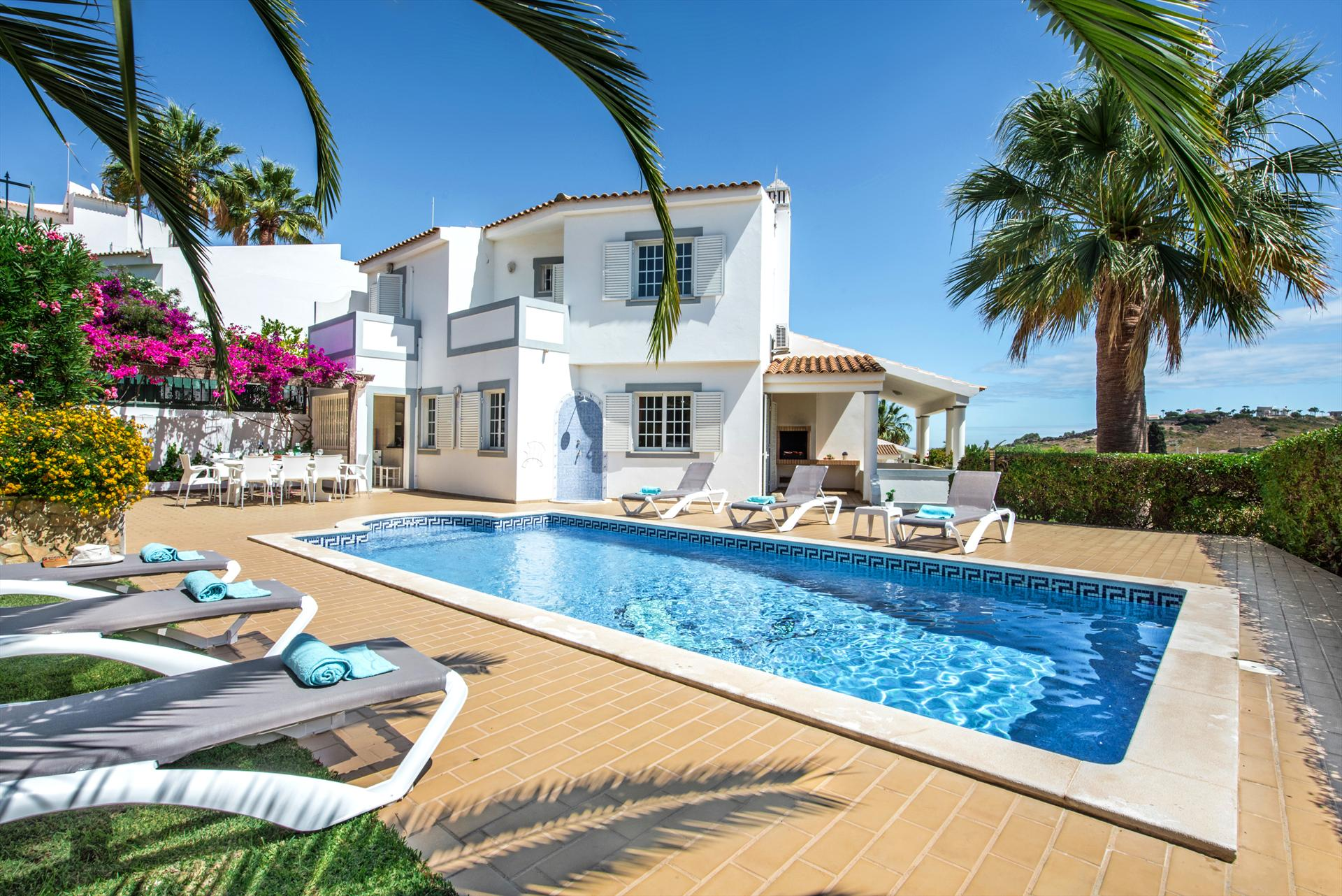 Albufeira villa ls214, Classic and nice villa  with private pool in Albufeira, on the Algarve, Portugal for 8 persons...