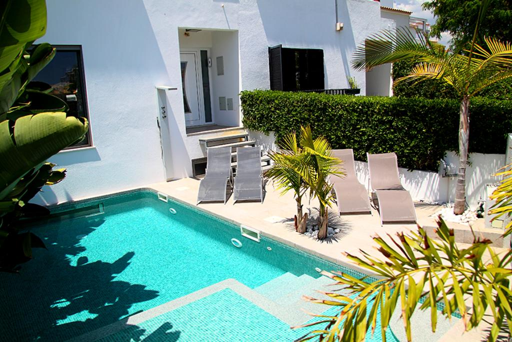 Villa Vilamoura LS230, Beautiful and luxury villa  with private pool in Vilamoura, on the Algarve, Portugal for 12 persons...