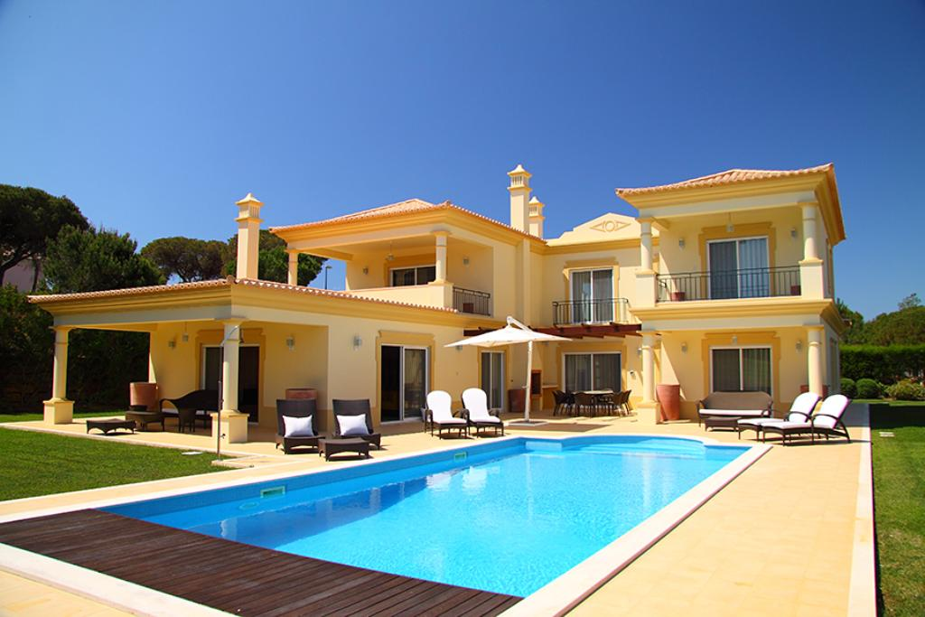 Villa vilamoura ls235, Wonderful and luxury villa  with private pool in Vilamoura, on the Algarve, Portugal for 10 persons...