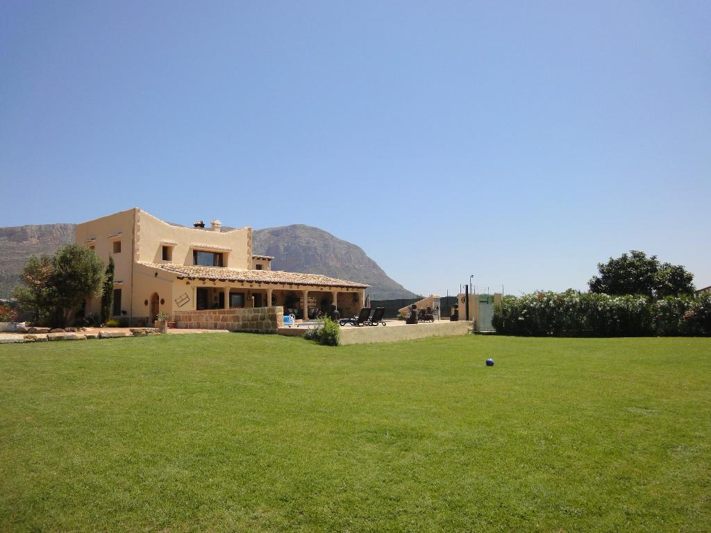 FINCA DE LA RANA,Wonderful and luxury country house in Javea, on the Costa Blanca, Spain  with private pool for 10 persons.....