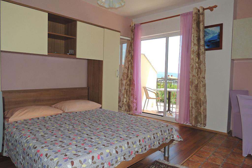 066201 studiowohnung mit meerblick,Estudio precioso y acogedor en Krk, Island Krk, Croacia para 2 personas...