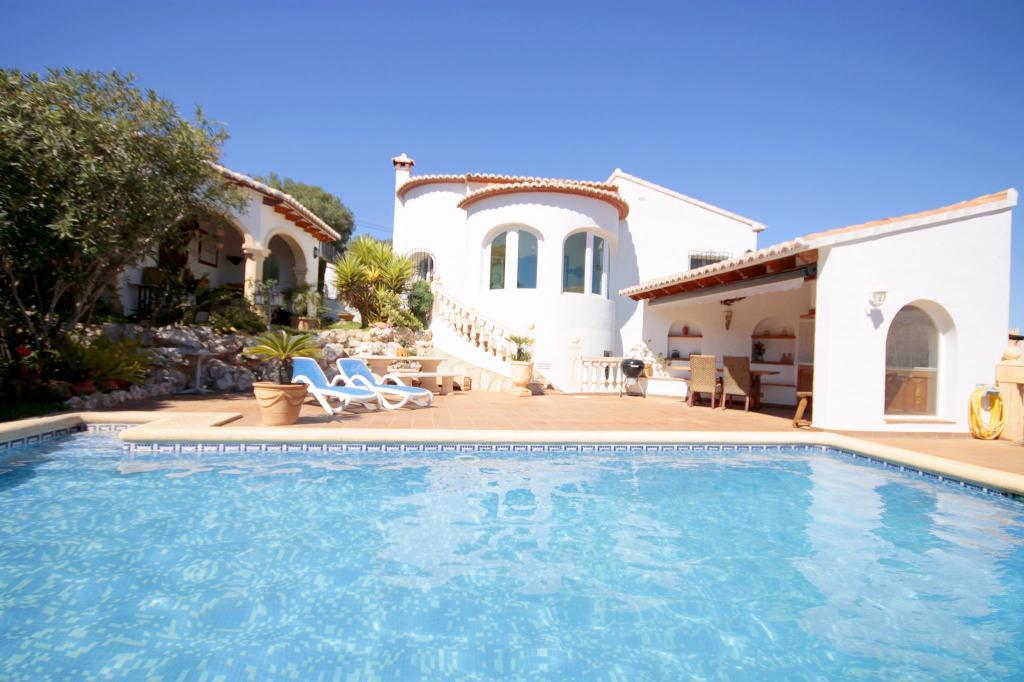 Elisa,Prachtige en romantische villa  met privé zwembad in Pedreguer, aan de Costa Blanca, Spanje voor 6 personen.....