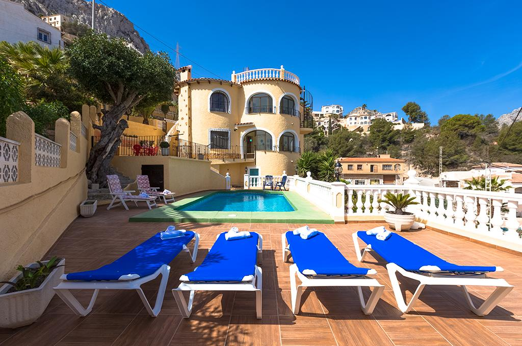 Antonio 8, Beautiful and comfortable villa in Calpe, on the Costa Blanca, Spain  with private pool for 8 persons.....