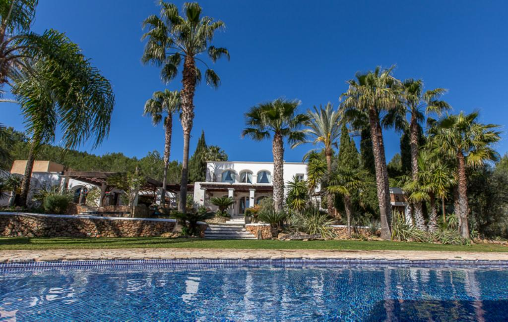 815, Large and comfortable villa in San Lorenzo, Ibiza, Spain  with private pool for 12 persons...