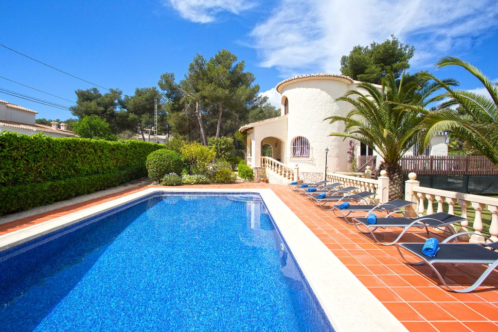 Famanito, Wonderful and comfortable villa in Javea, on the Costa Blanca, Spain  with private pool for 10 persons.....