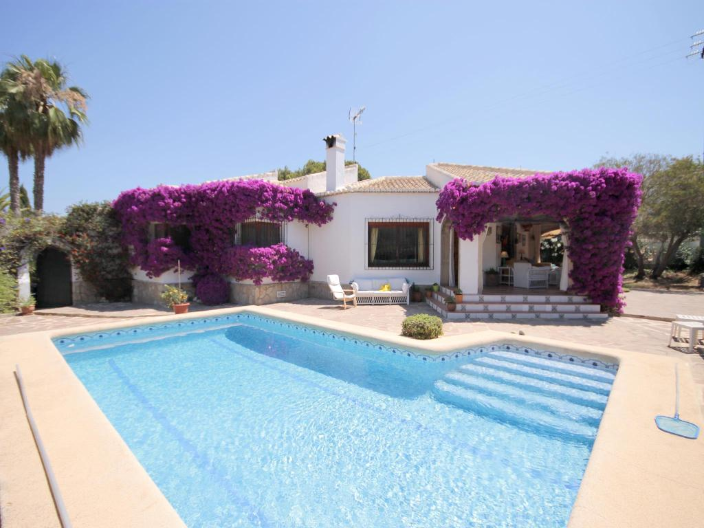 Jaureguia,Beautiful and cheerful villa  with private pool in Javea, on the Costa Blanca, Spain for 10 persons.....