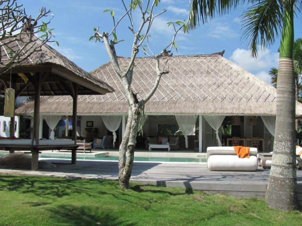 Kalis 7BR, Beautiful and luxury villa  with private pool in Seminyak, Bali, Indonesia for 14 persons...