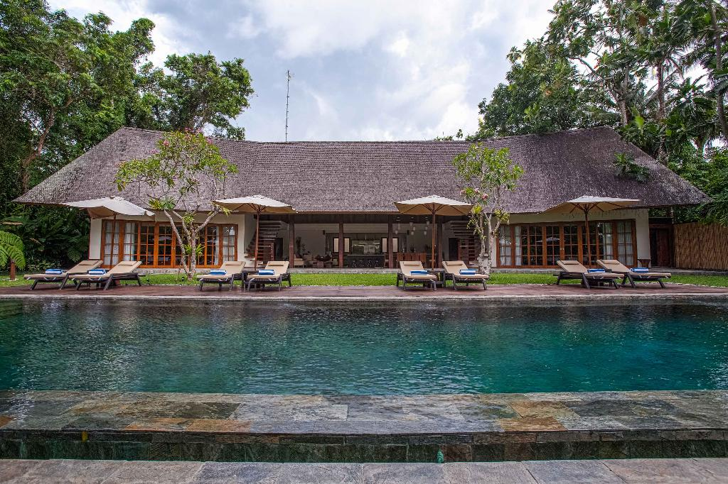 Tirtadari, Wonderful and luxury villa  with private pool in Kerobokan, Bali, Indonesia for 14 persons...